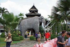 Nong Nooch mammoth_7144.JPG